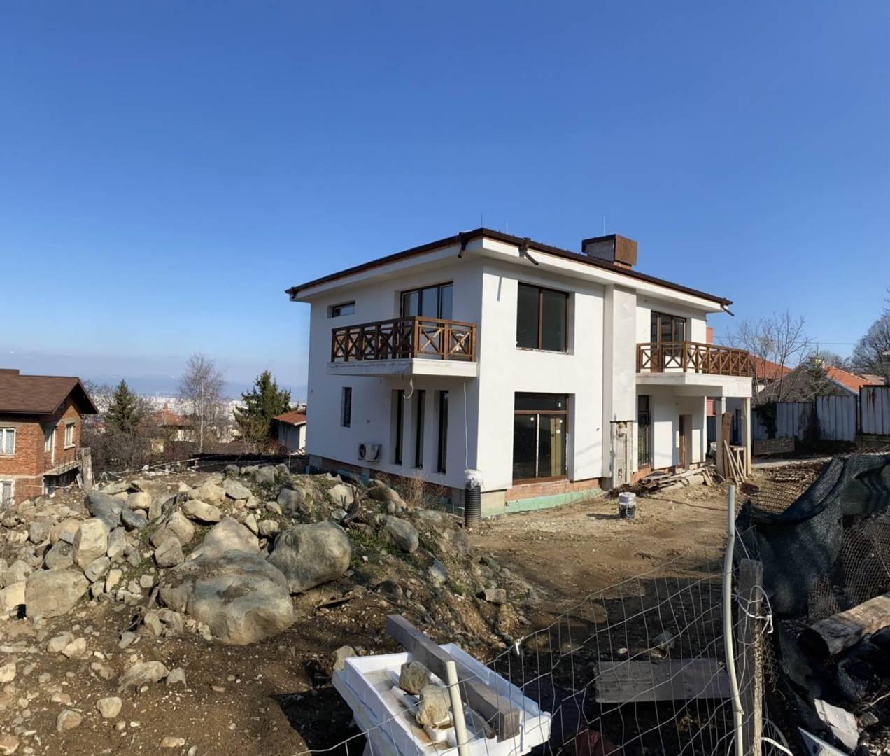 Изграждане високоефективна фасада от каменна вата на еднофамилна жилищна сграда